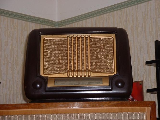 collection radios 102