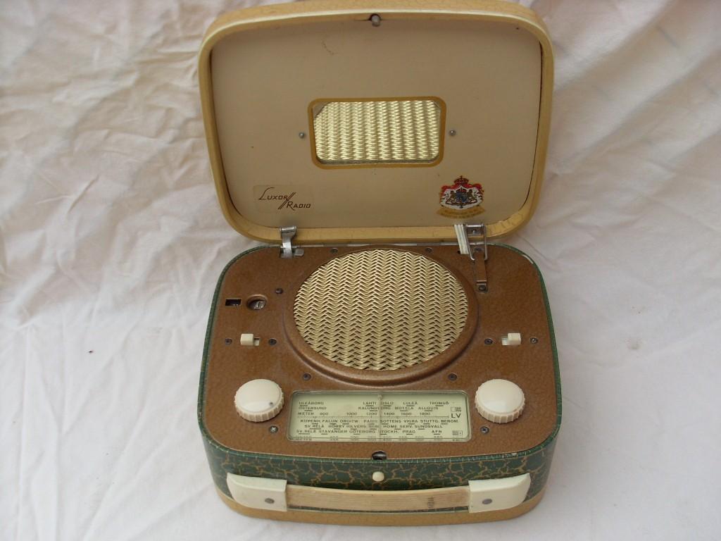 LUXOR RADIO TRIPP WB21 (2) (Copier)
